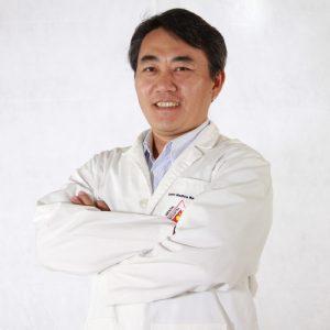 Dr. Eduardo Yoshizaki