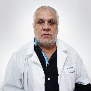 Dr. Ricardo Paredes