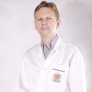 Dr. Néstor Rojas